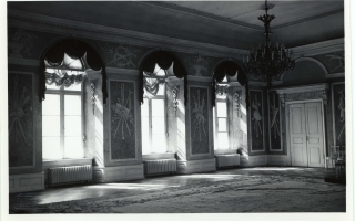 Artificial marble and stucco decorations by Schultz in the White Hall, before 1935. Photo by Parikas in the University of Tartu collection of photographs on art history (Toompea Castle, 2008, p. 51, ill. 54–55)