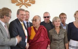 Группа Рийгикогу в поддержку Тибета встречается с Далай-ламой