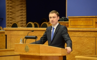 Taavi Rõivas presenting to the Riigikogu the bases for formation of the Government