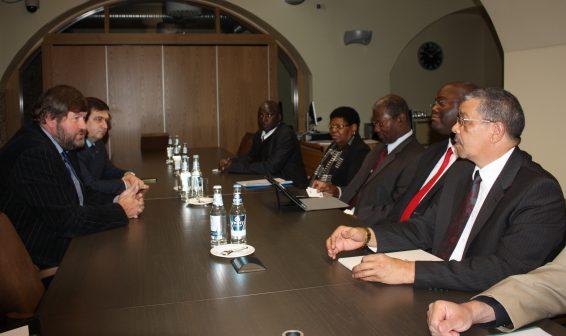 Eesti-Aafrika parlamendirühm kohtumas Namiibia Rahvusassamblee info- ja kommunikatsioonitehnoloogiate komisjoni delegatsiooniga, eesotsas komisjoni esimehe Moses Amweeloga