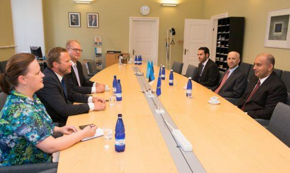 Eesti-Omaani parlamendirühma kohtumine Omaani kaubandus- ja tööstusminister Ali Masoud Al Sunaidyga
