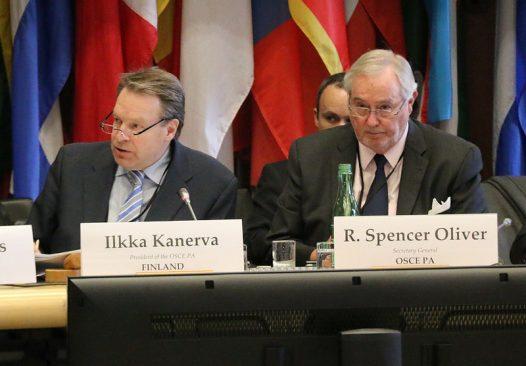 OSCE PA President Ilkka Kanerva and Secretary General Spencer Oliver nat the OSCE PA Bureau meeting, 18 Feb. 2015, Vienna Photo: OSCE Parliamentary Assembly