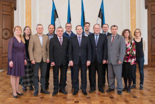 Majanduskomisjoni ühispilt koos ametnikega, XII Riigikogu