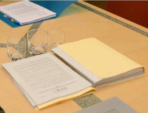 Töödokumendid laual