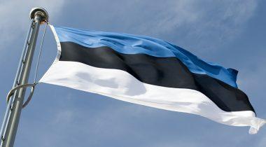 Eesti lipp Pika Hermanni tornis 990x430
