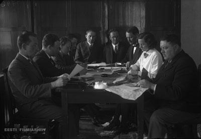 Подсчет голосов на выборах V созыва Рийгикогу. Пайде, май 1932 г. Фото: Эстонский киноархив