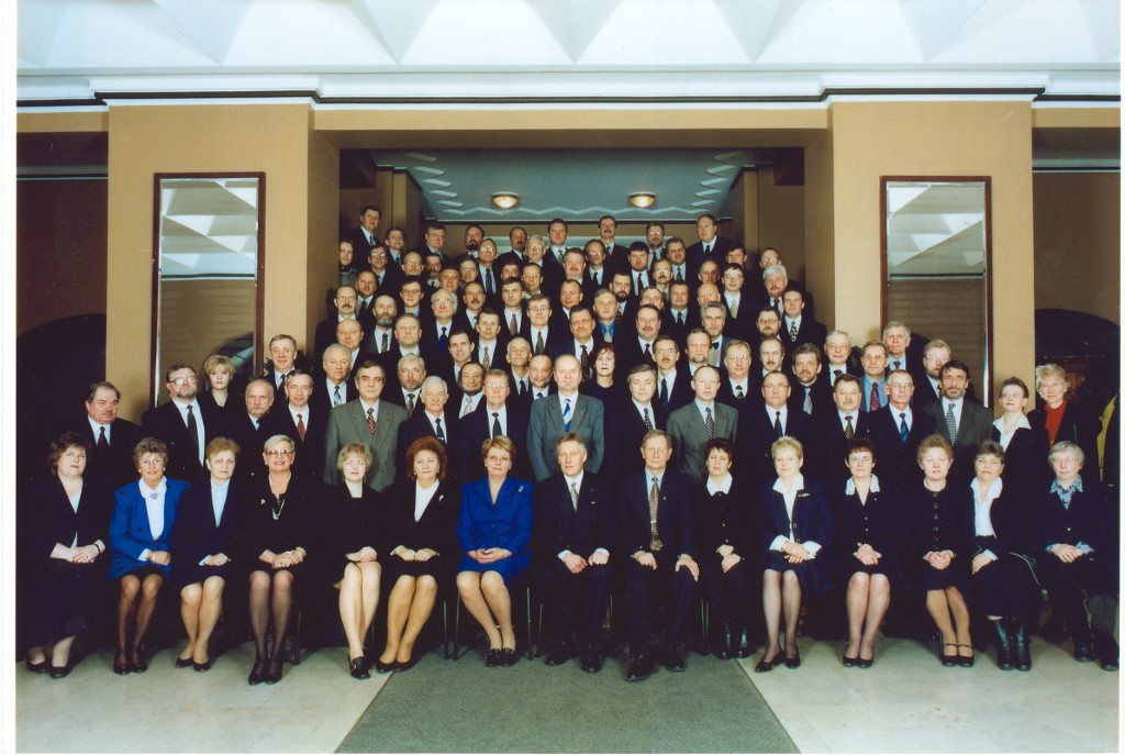Final photo of the 9th Riigikogu, 20 February 2003.