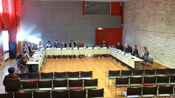 Keskkonnakomisjoni istungil toimus maapõueseaduse muutmise seaduse eelnõu (842 SE) avalik arutelu