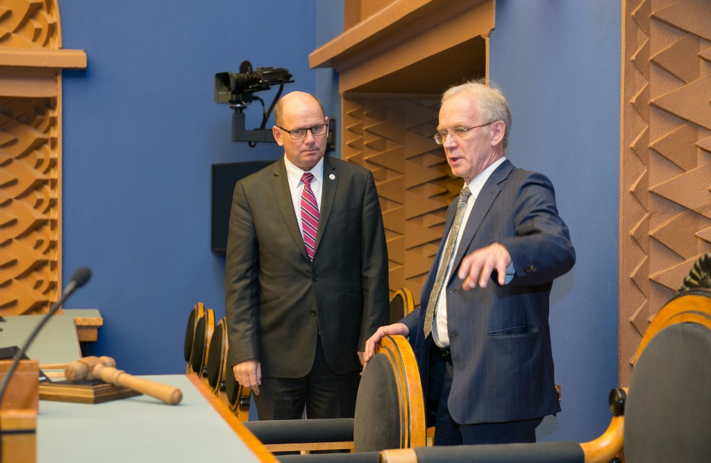 President of the Riigikogu Eiki Nestor and President of the Rigstag Urban Ahlin in plenary hall (XII Riigikogu)