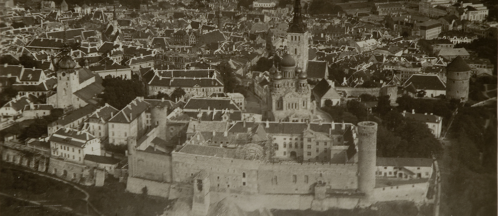 Toompea Castle during the construction of the Riigikogu building, around 1921–1922 Aerial view.