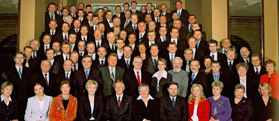 X Riigikogu ühispilt kevadel, 2003