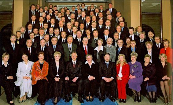 X Riigikogu koosseisu avapilt kevad 2003