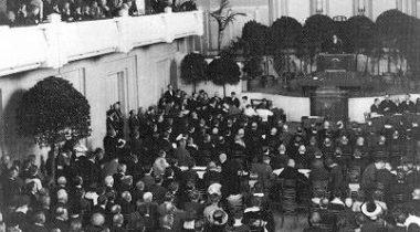 Asutava Kogu avamine Estonia kontserdisaalis 23. aprillil 1919.