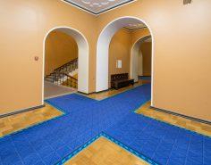 Вид на пересекающиеся коридоры в здании Рийгикогу