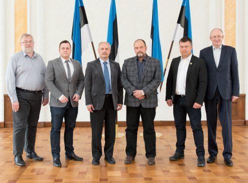Riigieelarve kontrolli erikomisjoni  liikmed, 11.mai 2015