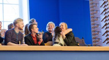 Õnnelikud noored pärast seaduse vastuvõtmist