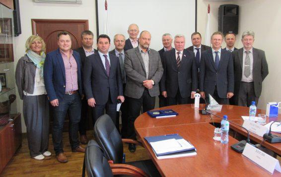 Riigieelarve kontrolli erikomisjoni ja Leningradi oblasti duuma liikmed, 05.06.2015