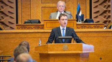 Peaminister Taavi Rõivas Riigikogu täiskogu ees