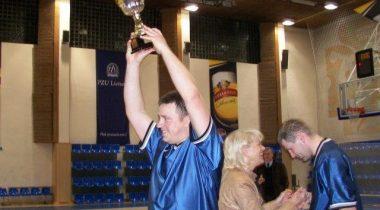Riigikogu korvpallimeeskond võitis kolmanda Balti Assamblee karika