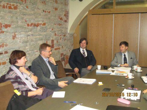 EKRE fraktsioon kohtus erakoolide ühenduste juhtide ja aktivistidega