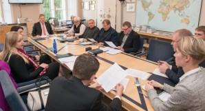Riigikaitsekomisjon arutab eelarvet