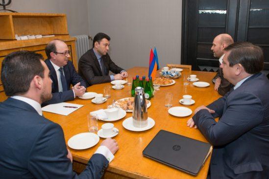 Riigikogu aseesimehe Helir-Valdor Seedri ja Armeenia parlamendirühma esimehe Mati Raidma kohtumine Armeenia parlamendi asespiikri Eduard Sharmazanoviga