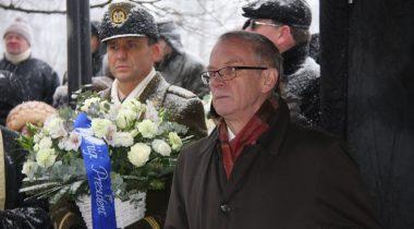Riigikogu esimees Eiki Nestor pidamas kõnet Jaan Poska mälestusmärgi avamisüritusel 24.01.2016