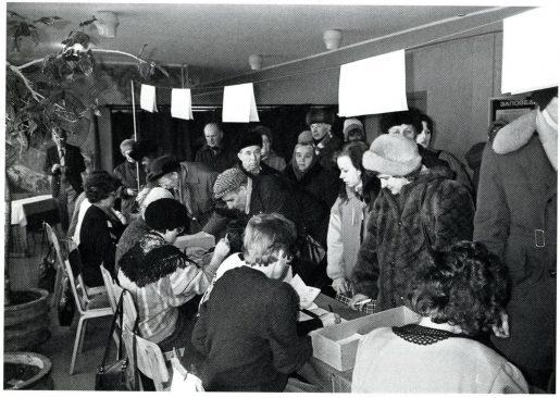Iseseisvusreferendumi hääletus. Tiit Made. Eestlaste vabanemise tee : 1985-1994. Tallinn : 20. Augusti Klubi, 2015.