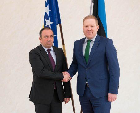 Riigikaitsekomisjoni esimees Marko Mihkeson ja  BH välisminister Igor Crnadak