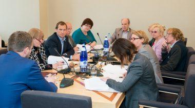 Sotsiaalkomisjon toetas perehüvitiste seaduse eelnõu