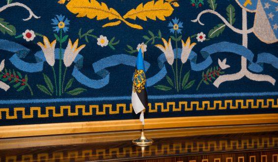 Seinavaip Kadriorus Varariigi Presidendi tööruumis