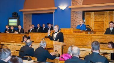 Toomas Hendrik Ilves is taking the oath of office before the Riigikogu on 11 October 2011