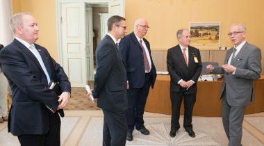 Briti parlamendi saadikud kohtuvad Eiki Nestoriga