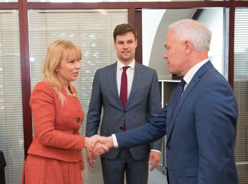 Euroopa Liidu asjade komisjoni esimehe Kalle Pallingu ja majanduskomisjoni esimehe Toomas Kivimägi kohtumine Euroopa Komisjoni siseturu voliniku Elżbieta Bieńkowskaga