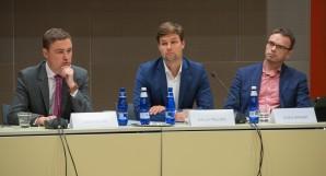 Peaminister Taavi Rõivas, Euroopa Liidu asjade komisjoni esimees Kalle Palling ja väliskomisjoni esimees Sven Mikser