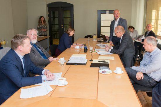 Riigikogu kantselei juurde moodustatud arenguseire nõukoda valis täna nõukoja esimeheks Euroopa Kontrollikoja liikme Kersti Kaljulaidi.