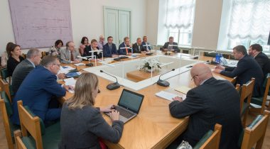 The National Defence Committee and the Foreign Affairs Committee held a joint meeting