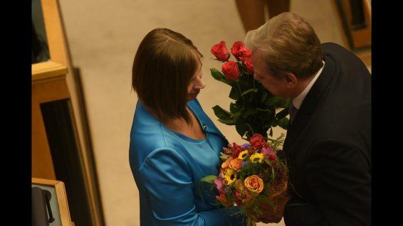 Andres Herkel annab presidendiks valitud Kersti Kaljulaidile Vabaerakonna õnnesoovid