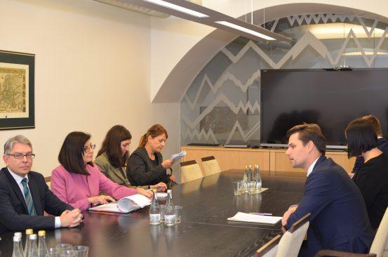 Euroopa Liidu asjade komisjoni esimees Kalle Palling ja Bulgaaria asepeaminister Meglena Kuneva