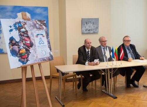 Riigikogus esitleti Balti Assamblee 25. aastapäevaks pühendatud marki