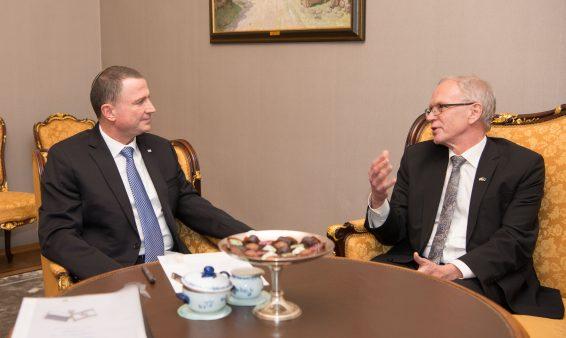 Riigikogu esimees Eiki Nestor ja Iisraeli parlamendi Knesseti spiiker Yuli-Yoel Edelstein.