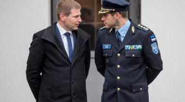 Hanno Pevkur ning politsei- ja piirivalveameti peadirektor Elmar Vaher.