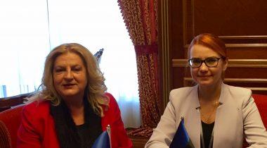 Keit Pentus-Rosimannus ja Kosovo dialoogiministri Edita Tahiriga