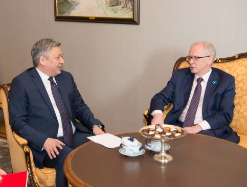 Riigikogu esimees Eiki Nestor kohtumisel Kõrgõzstani välisministri Erlan Abdyldaeviga