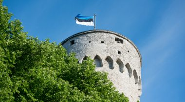 The Riigikogu invites to the flag hoisting ceremony and to the Tall Hermann Tower on the National Flag Day