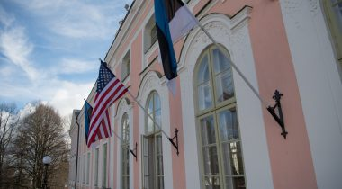 Flags of Estonia and the USA
