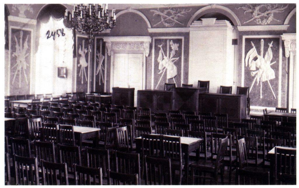 Toompea lossi valge saal, kus peeti Maanõukogu istungeid