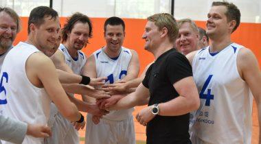 Riigikogu korvpallimeeskond 2017