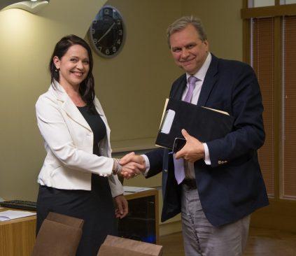 Korruptsioonivastase erikomisjoni esimees Andres Herkel ja aseesimees Anneli Ott