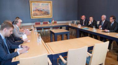 Ээсмаа, Михкельсон и министр иностранных дел Венгрии обсудили развитие отношений между двумя государствами
